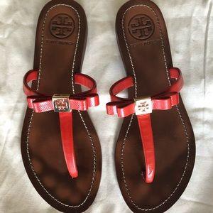 Tory Burch t bar flat sandal thongs. Size 7m